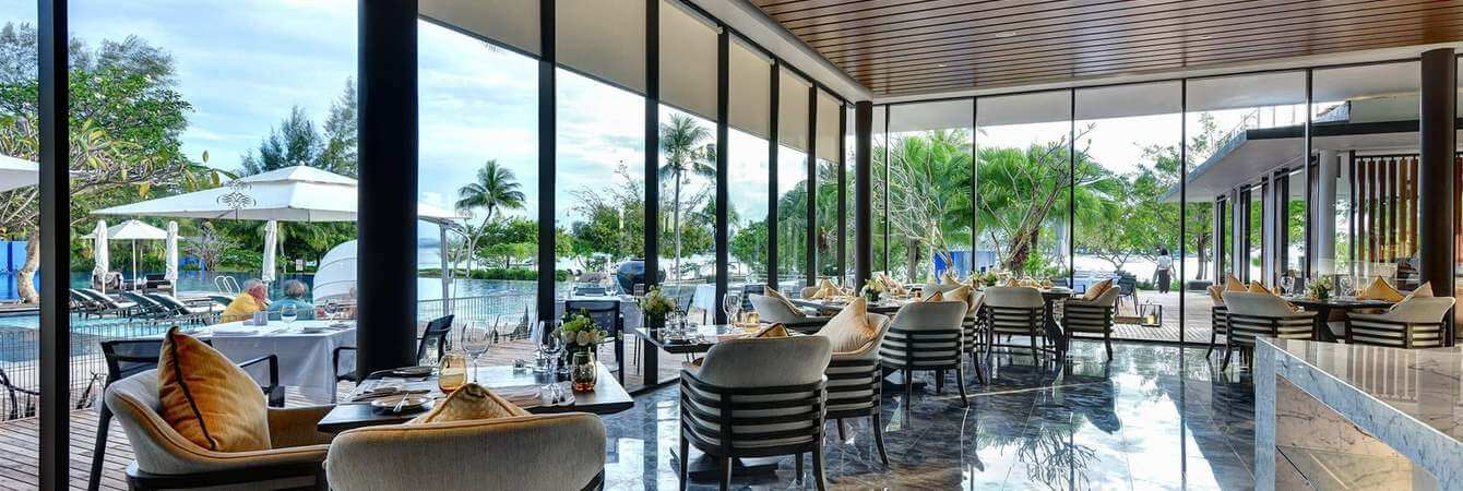 the-danna-langkawi-the-terrace-offers-a-variety-of-light-meals-and-italian-cuisine-day-shot_jpg_1340x450_default